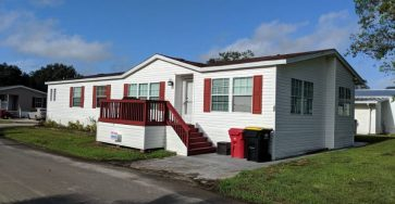 Large mobile home in Mulberry FL for sale
