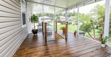 Immaculate 3 bedroom manufactured home in Fort Lauderdale FL