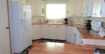 Manufactured home in Zephyrhills FL for sale