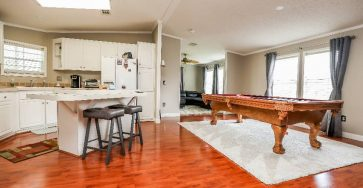 2 bed manufactured home in Fort Lauderdale Florida