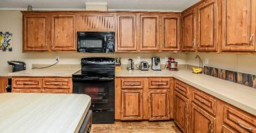 Manufactured home with beautiful wood floors Fort Lauderdale FL