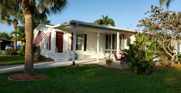Mobile home in Heron Cay Florida for sale