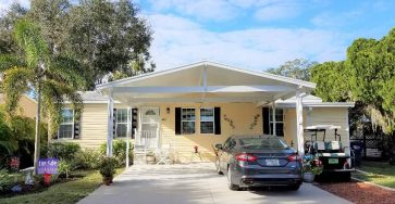 Manufactured home in Colony Cove FL for sale