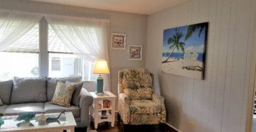 Mobile home in Colony Cove Florida priced to sell