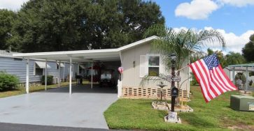 Golfer's Mobile Home in Winter Haven Florida