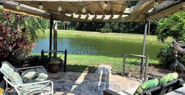 Colony Cove FL Home with 2 bedrooms and 2 baths